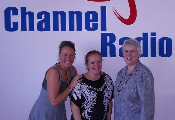 Photo Angela, Juliet Shand and Jan